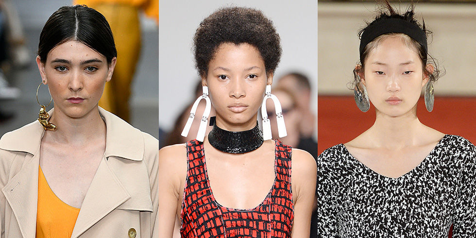gallery-1474056561-big-earrings-runway-spring-2017